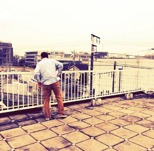 屋根の上は新世界