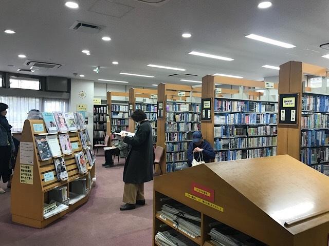 守屋図書館 1F図書フロア