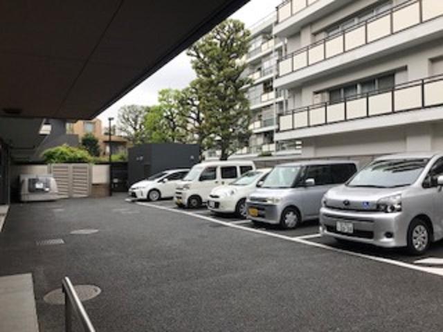 グランダ学芸大学 駐車場