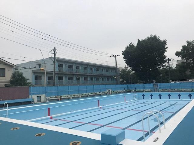 東深沢小学校 プール