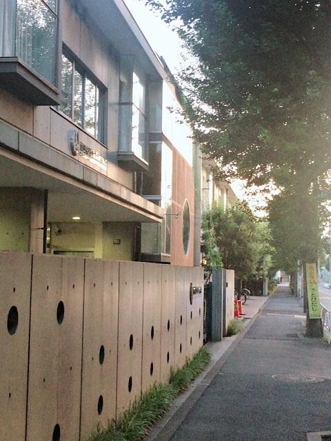 東深沢 小学校前の風景