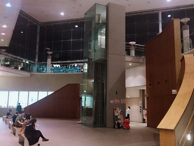 目黒区 パーシモンホール 小ホール 2